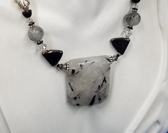 Rutilated Quarts pendant beaded necklace 496