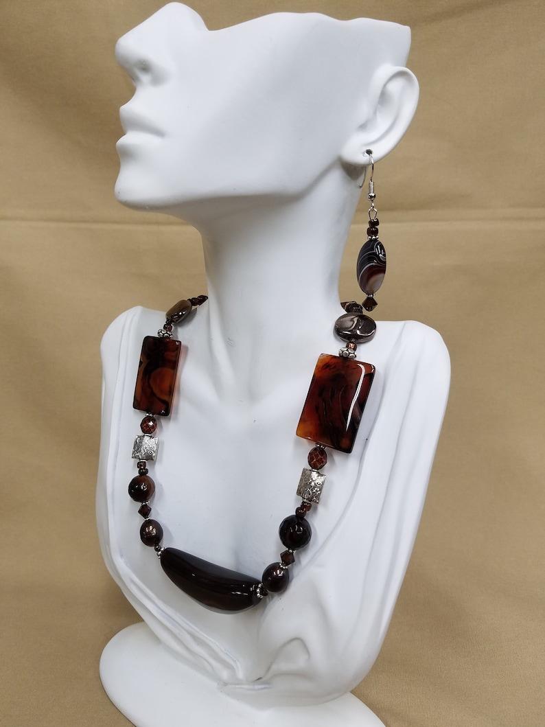 Sardonyx stone carved bead necklace 471 image 0