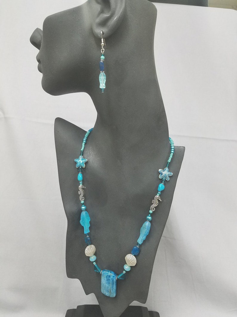 Apatite Drop and beaded necklace 450 image 0