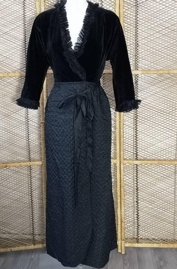 Stunning Original 1960's Black Velvet Quilted Dres