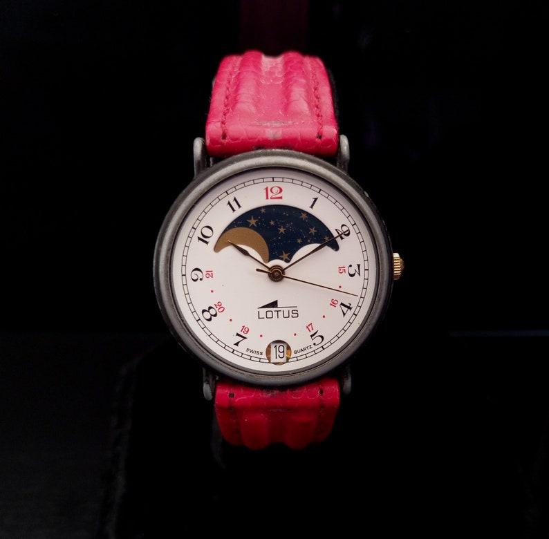 1b522afa78cc6 SWISS LOTUS phase de lune montre-bracelet des Lotus lune   Etsy
