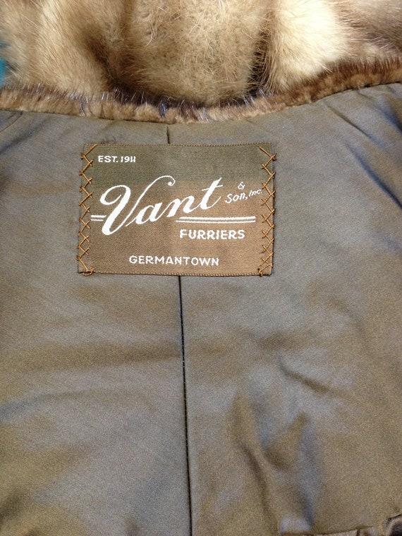 Fur cape Vant Furriers - image 4
