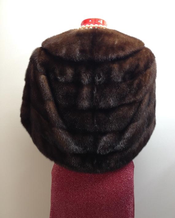 Fur cape Vant Furriers - image 2