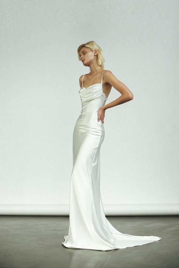 Devore simple wedding dress silk wedding dress Size UK Low Back cowl back wedding dress burn out sequin White Bias Cut wedding dress