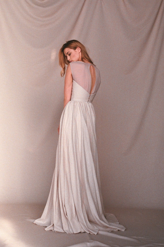 Linen Wedding Dress.Linen Wedding Dress Beige Wedding Dress Nontraditional Bridal Gown Natural Eco Material Boho Bridal Gown Rustic Wedding Dress Lina