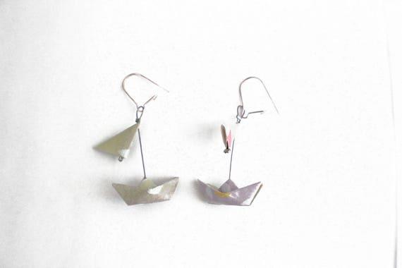boucles d 39 oreille origami bateaux voiles vert et violet etsy. Black Bedroom Furniture Sets. Home Design Ideas