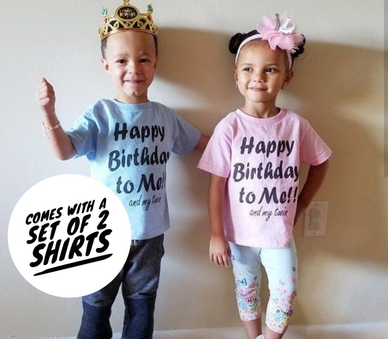 Identical - Kids // Childrens T-Shirt I/'m With My Twin Twins Right
