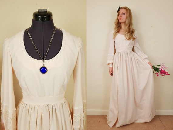 Ivory 1970s Dress | Size S-M | Vintage Wedding Dre