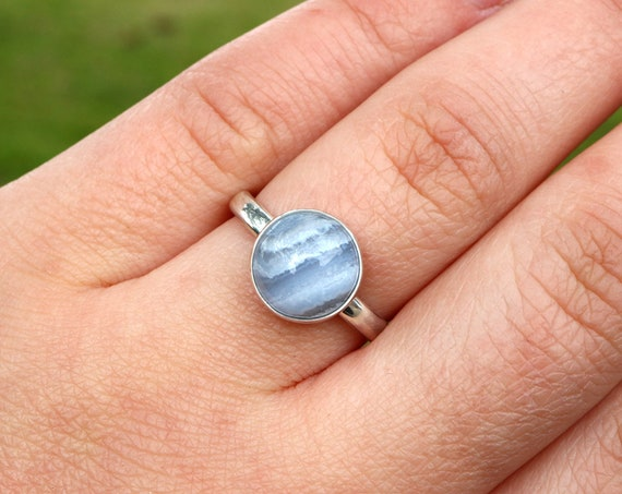 Blue Lace Agate Ring 925 - Chunky Comfort Fit Ring - Blue Ring - Soothing, Anxiety Calming Crystal - The Ivy Bee