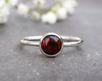 Black and Red Opal Ring 925 - Stacking Ring - Inspiration & Creativity - Multicolour Opal - Alternative Engagement - October Birthstone