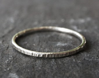 Bark Texture Stacking Ring - Hammered Woodgrain Sterling Silver Stacking Ring - 1.3mm Stackable Rings - Single Ring - The Ivy Bee