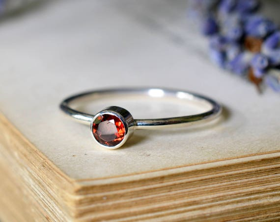 Small Faceted Garnet Ring 925 - Simple Stacking Ring - Sterling Silver Red Stone Ring - January Birthstone