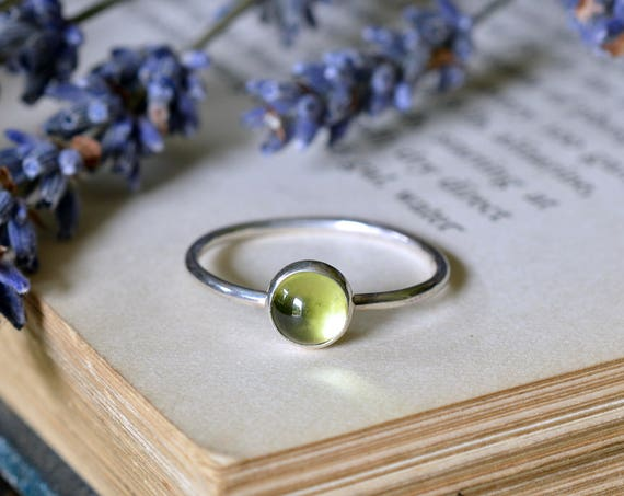 Peridot Ring 925 - Green Gemstone Stacking Ring - Heart Chakra - August Birthstone - Compassion, Prosperity - The Ivy Bee
