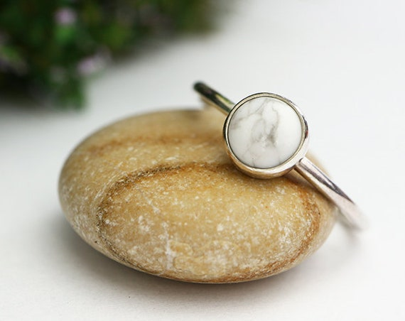 Howlite Ring 925 - White Howlite Stacking Ring - Moon Ring - Solid Sterling Silver - Simple Stacking Ring - White Moon