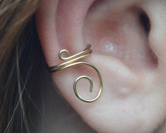 Simple 14kt Gold Ear Cuff - No Piercing Earring - 14kt  Ear Cuff - Modern Jewellery - Minimalist - Gold Ear Cuff - Minimalist - The Ivy Bee
