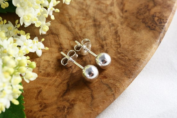 Everyday Ball Stud Earrings - Sterling Silver 925 - 5mm Silver Ball Earrings - Medium Ball Earrings - The Ivy Bee