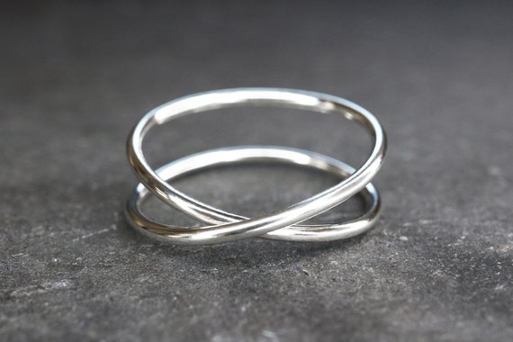 Infinity Ring - Criss Cross Ring - Sterling Silver Crossed Ring - Eternity Minimalist Ring - 925 Hypoallergenic Ring - The Ivy Bee