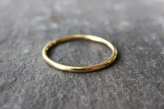 18ct Solid Gold Ring - 1mm, 1.2mm Thin Wedding Band - 100% Recycled Gold - Skinny White Gold Ring, Yellow Gold Ring - The Ivy Bee