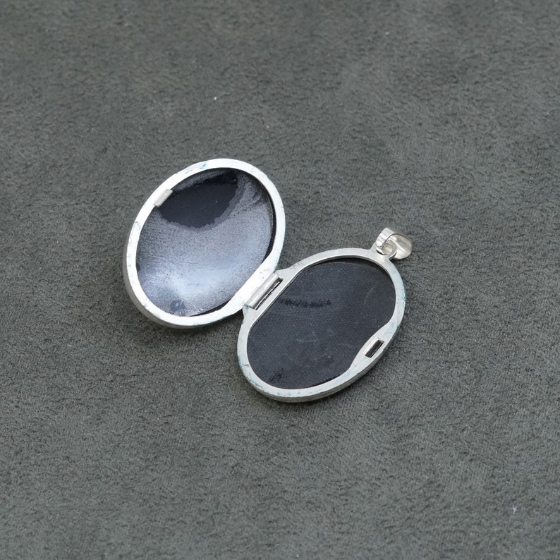 solid Thailand 925 silver photo locket engraved flower Vintage stamped 925 320745 Sterling silver handmade pendant