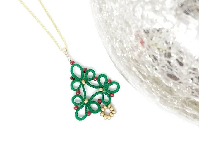 Green Christmas tree lace beaded pendant. Festive green tatting lace cotton necklace. Christmas gift for her.