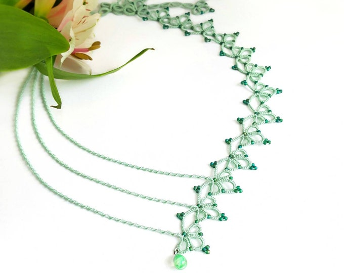 Asymmetrical lace beaded green necklace. Romantic cotton tatting lace necklace. Clover leaf pattern necklace. Modern summer gift for her.