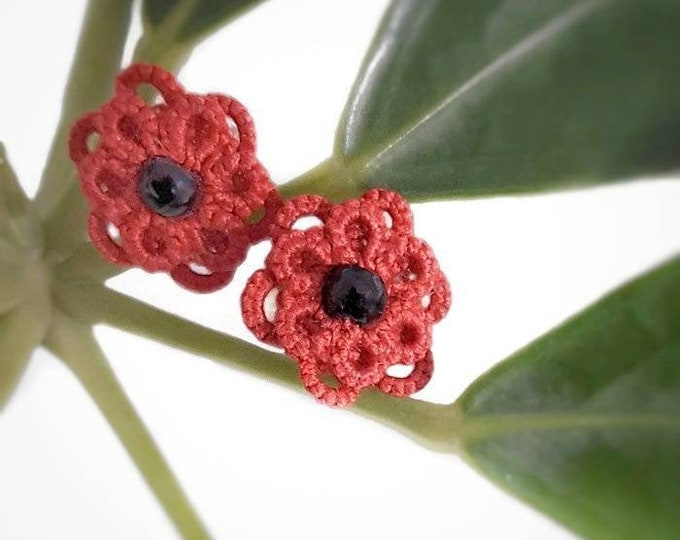 Red cluster stud beaded lace earrings. Small poppy button earrings with cotton tatting lace. Valentine gift for her