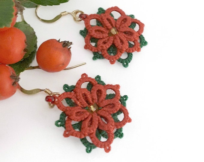 Red flower lace dangle earrings with green leaves. Beaded fabric drop earrings in cotton tatting lace. Gift for her