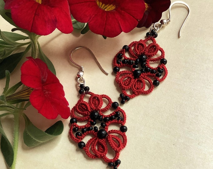 Elegant red and black beaded dangle earrings. Drop earrings with cotton tatting lace. Stylish Edwardian fabric earrings. Gift for her.