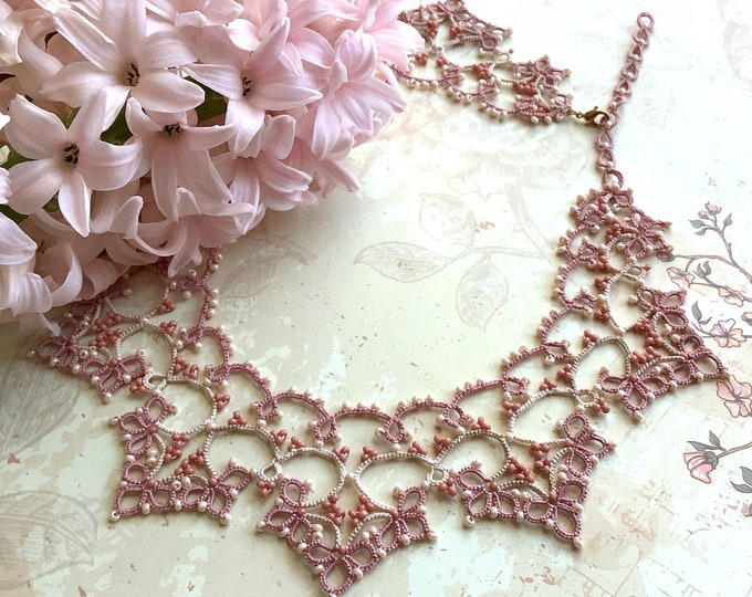 Romantic pink and cream lace collar necklace with beads. Vintage style bib necklace with cotton tatting lace. Elegant gift for her