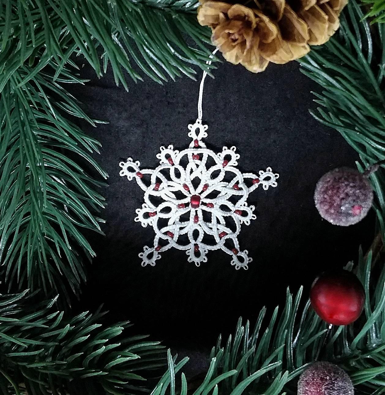 celtic christmas tree decoration christmas ornament snowflake star white cotton red glass beads handmade tatting lace christmas gift - Celtic Christmas