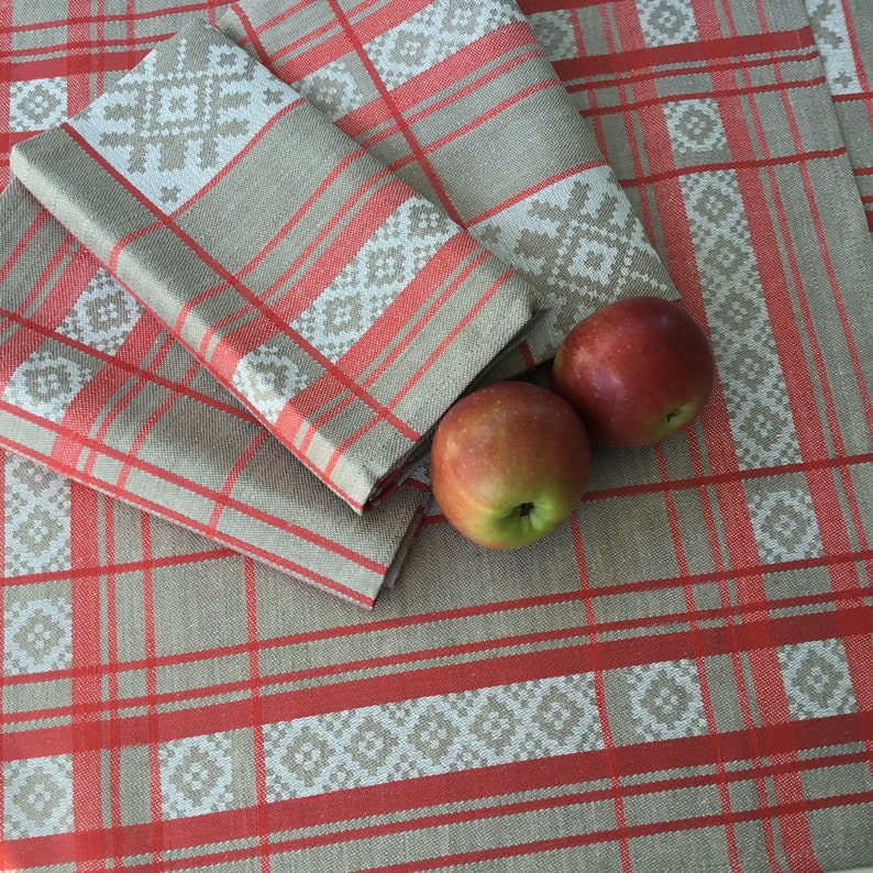 Elegant Dinner Tablecloth with Napkins Set Elegant Party Jacquard Linen Table Cover Red Romantic Dinner Table Setting Geometric Decor