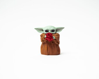 3D Printed Grogu with Rose, 3D Printed Baby Yoda, Grogu 3D Printed, The Mandalorian Decor