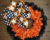 Halloween wreath for front door, burlap Halloween wreath for front door