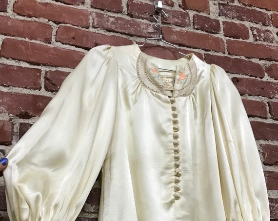 70s Gunne Sax Ivory Satin Poet Sleeve Embroidered Blouse with Victorian Buttons Vintage Seventies 1970s