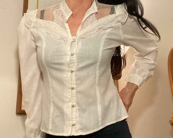70s Crisp White Cotton & Lace Victorian Blouse