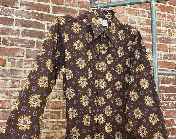 Mens 70s Psychedelic Button Down Dagger Collar Shirt