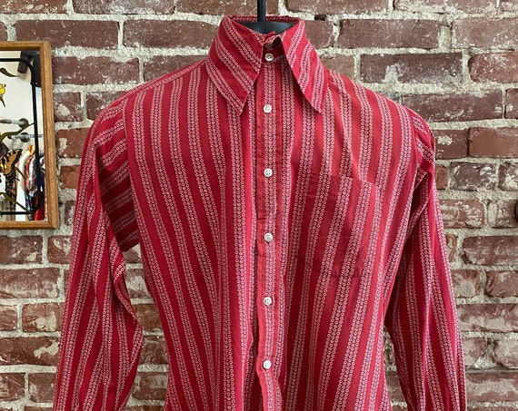 70s Men's Red Double Button Wide Dagger Collar Shirt, Triple Button Cuffs