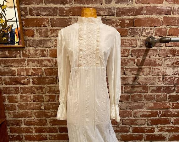 70s Victorian White Cotton Gown