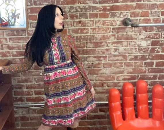 70s Psychedelic Tapestry Print Nehru Neckline Long Sleeve Mini Dress