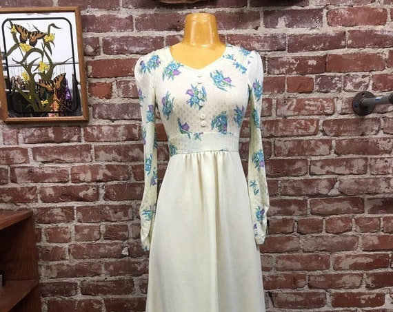 70s Ivory and Floral Gown by Patricia Fair Vintage Seventies 1970s Size Small