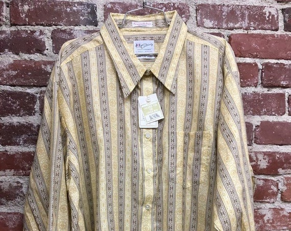 70s Men's Dead Stock Psychedelic Striped Shirt. Size XL