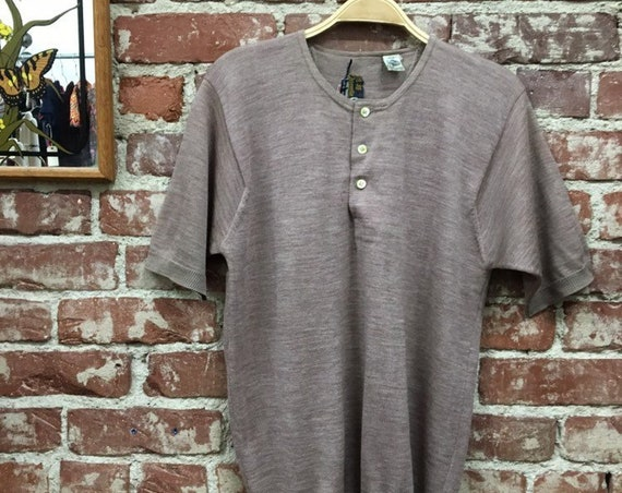 "70s Men's Henley 40"" Chest"