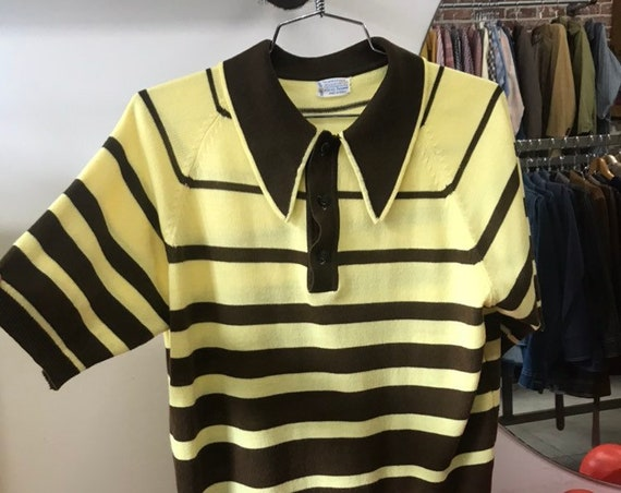 70s Men's Mod Knit Acrylic Yellow and Brown Stiped Shirt Size Medium
