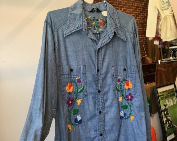 70s Men's Embroidered Chambray Cotton Shirt by Lee