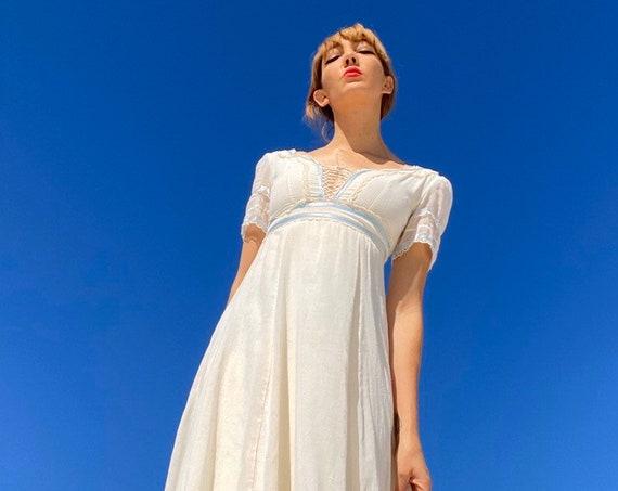 70s Ivory White Gauze Cotton Victorian Lace Up Corset Prairie Dress
