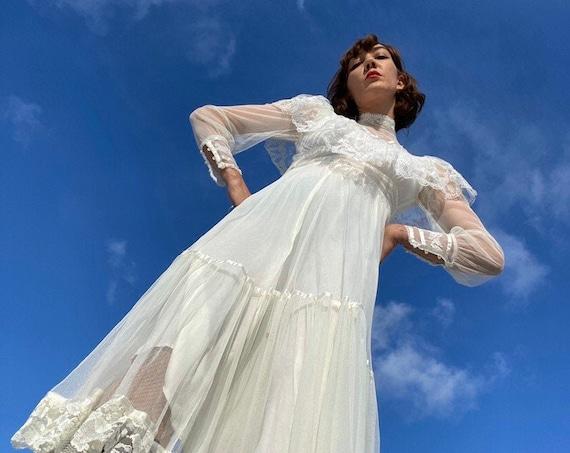 70s White Lace Gunne Sax Victorian Gown