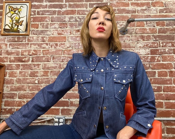 70s Beagle Collar Denim Studded Dead Stock Jacket Size Small/Medium