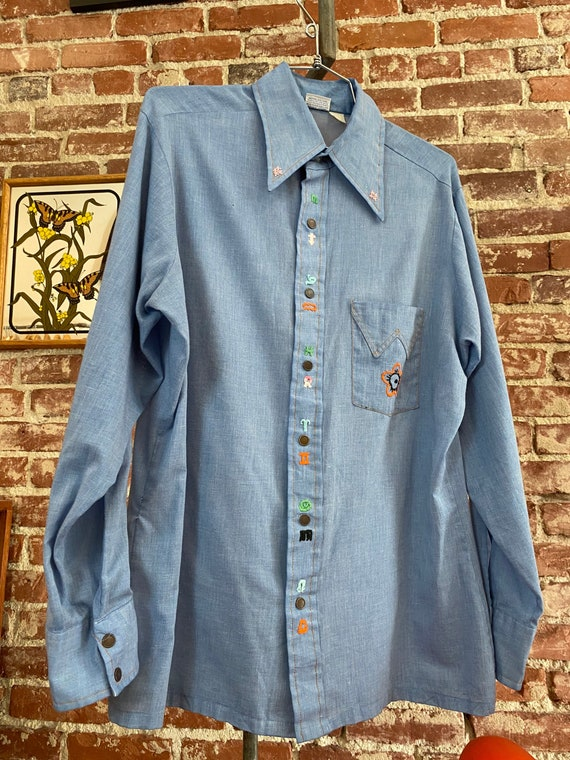 70s Men's Wrangler Chambray Embroidered Snap Butto