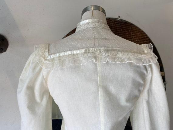 70s Crisp White Cotton & Lace Victorian Blouse - image 7