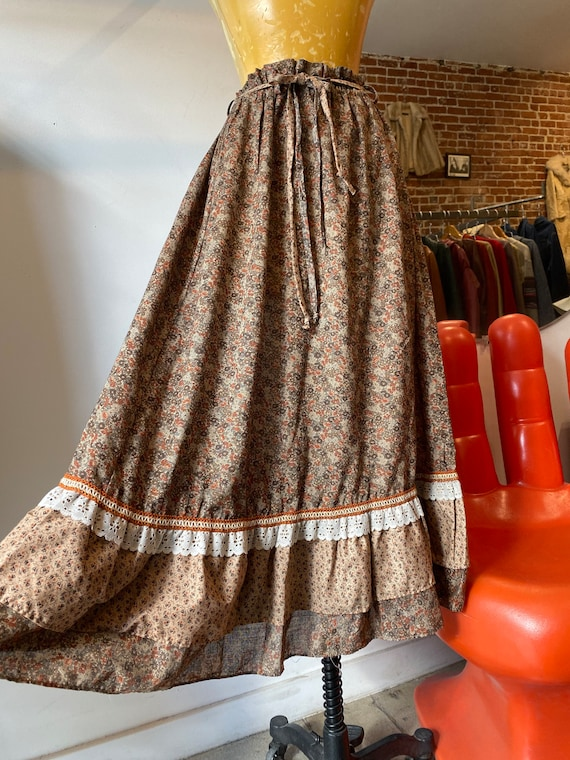 70s Calico Cotton Prairie Skirt with Waist Cinching Tie